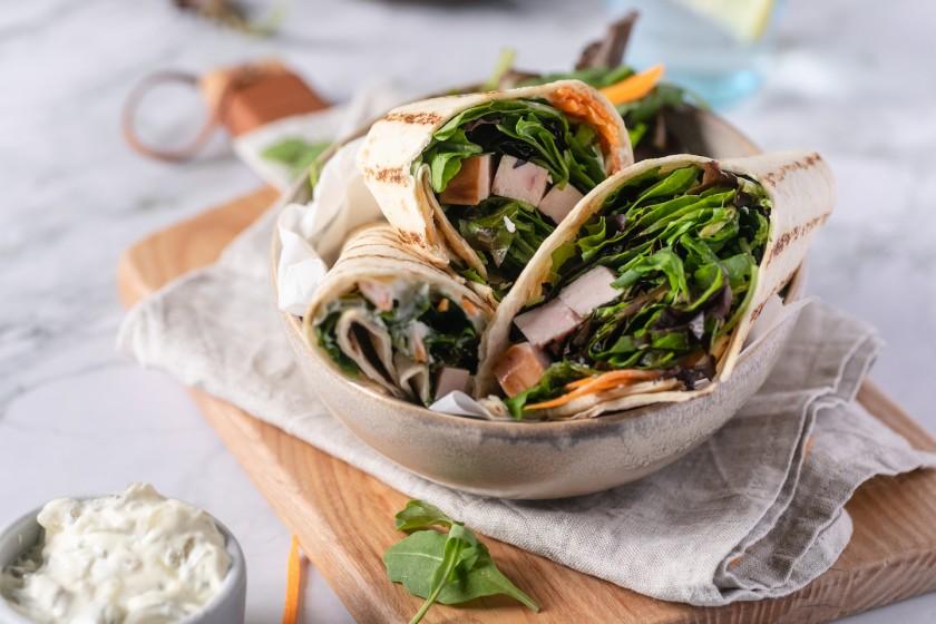 Salad wrap με Κale Mix και γαλοπούλα
